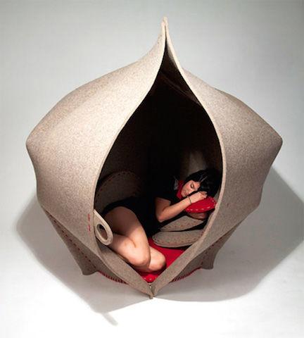 これオフィスに欲しい!隠れ家になるソファー「HUSH」・・・