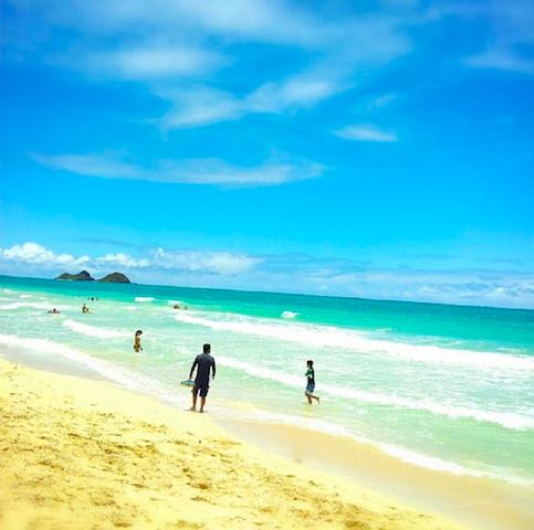 【ハワイの穴場】平日は立入禁止 オアフ島の「ベローズビーチ」が美しすぎる・・・