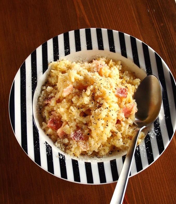 パスタの代わりに、ご飯で作る「めしボナーラ」が激ウマ・・・