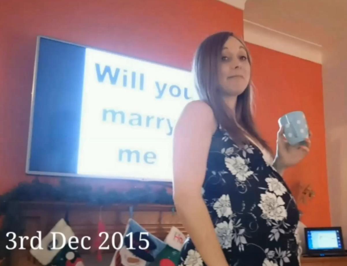 彼女に気づかれないように「148日間プロポーズ」し続けた男性