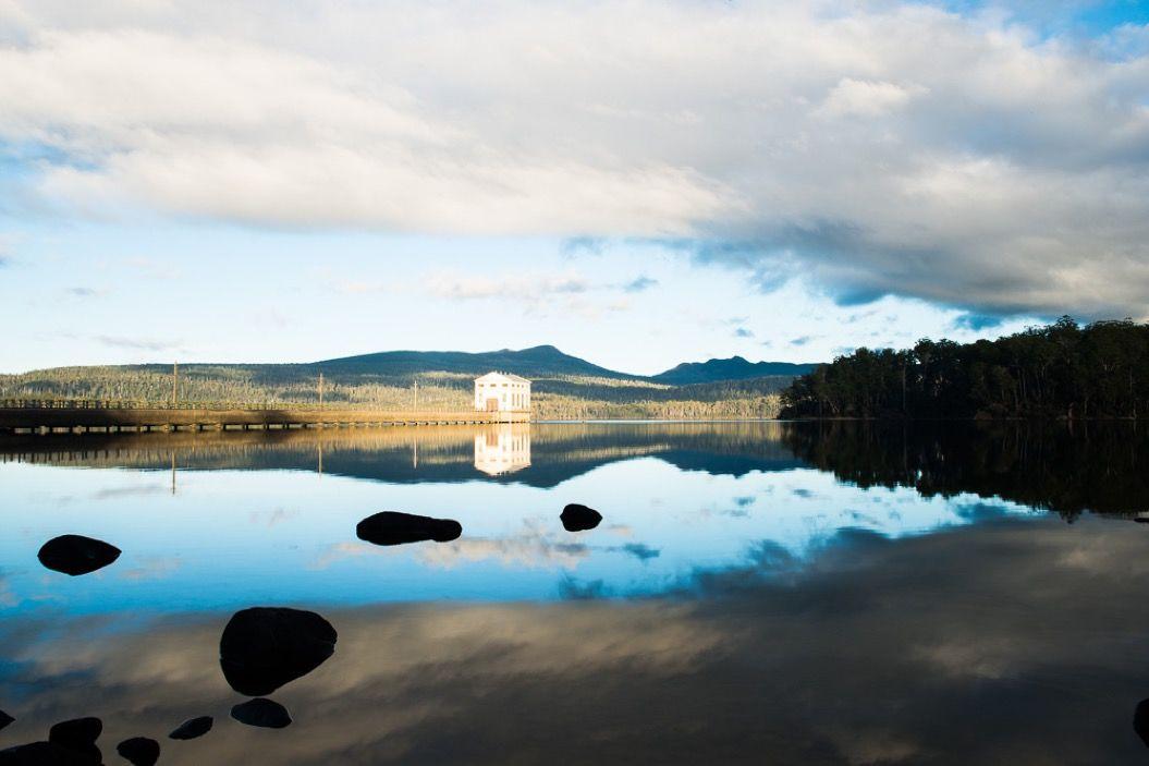 世界一美味しい空気が吸える場所「セント・クレア湖」にある水上ホテルが素敵すぎる・・・