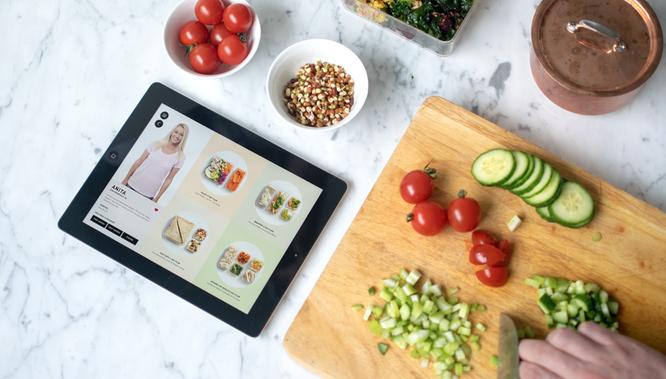 アプリと連動して、レシピの提案からカロリー計算までしてくれる「スマート弁当箱」