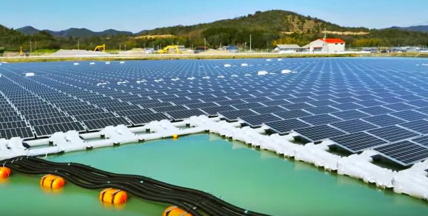 太陽光発電。敷地不足を解決する「まさかのアイデア」がついに発見される・・・