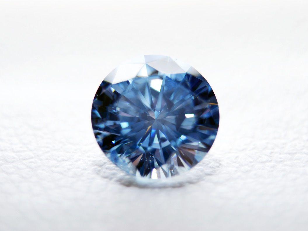 愛する人の遺骨でつくる「メモリアル・ダイヤモンド」を知っていますか?