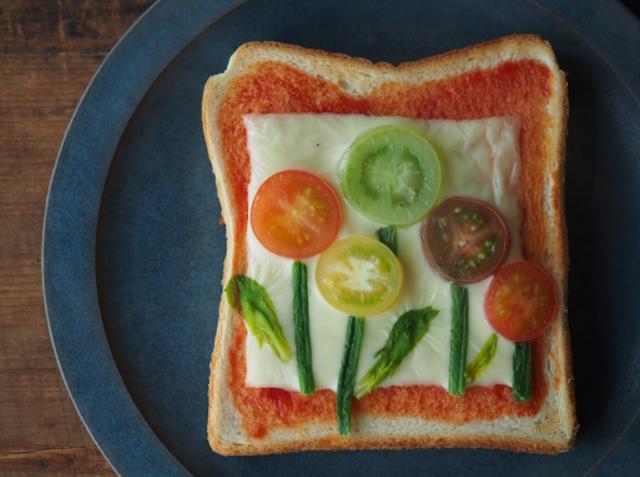 Instagramで話題の「花畑トースト」がカワイイ!