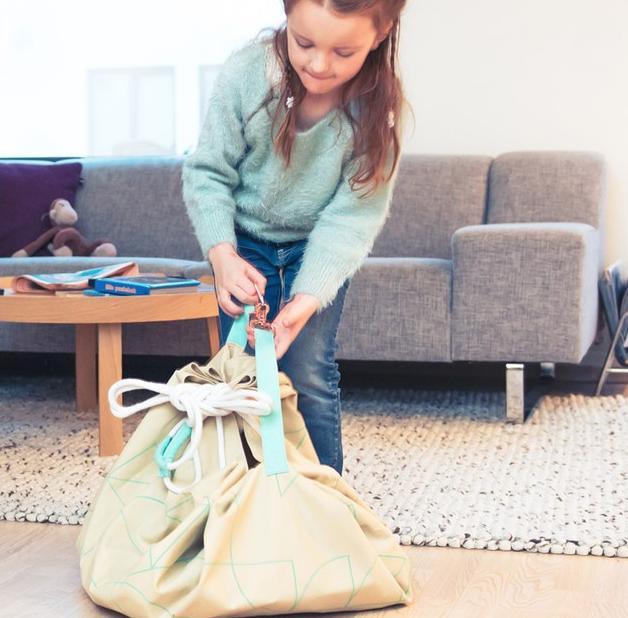 【ママ必見】北欧生まれ「魔法のバッグ」なら一瞬でおもちゃが片付く