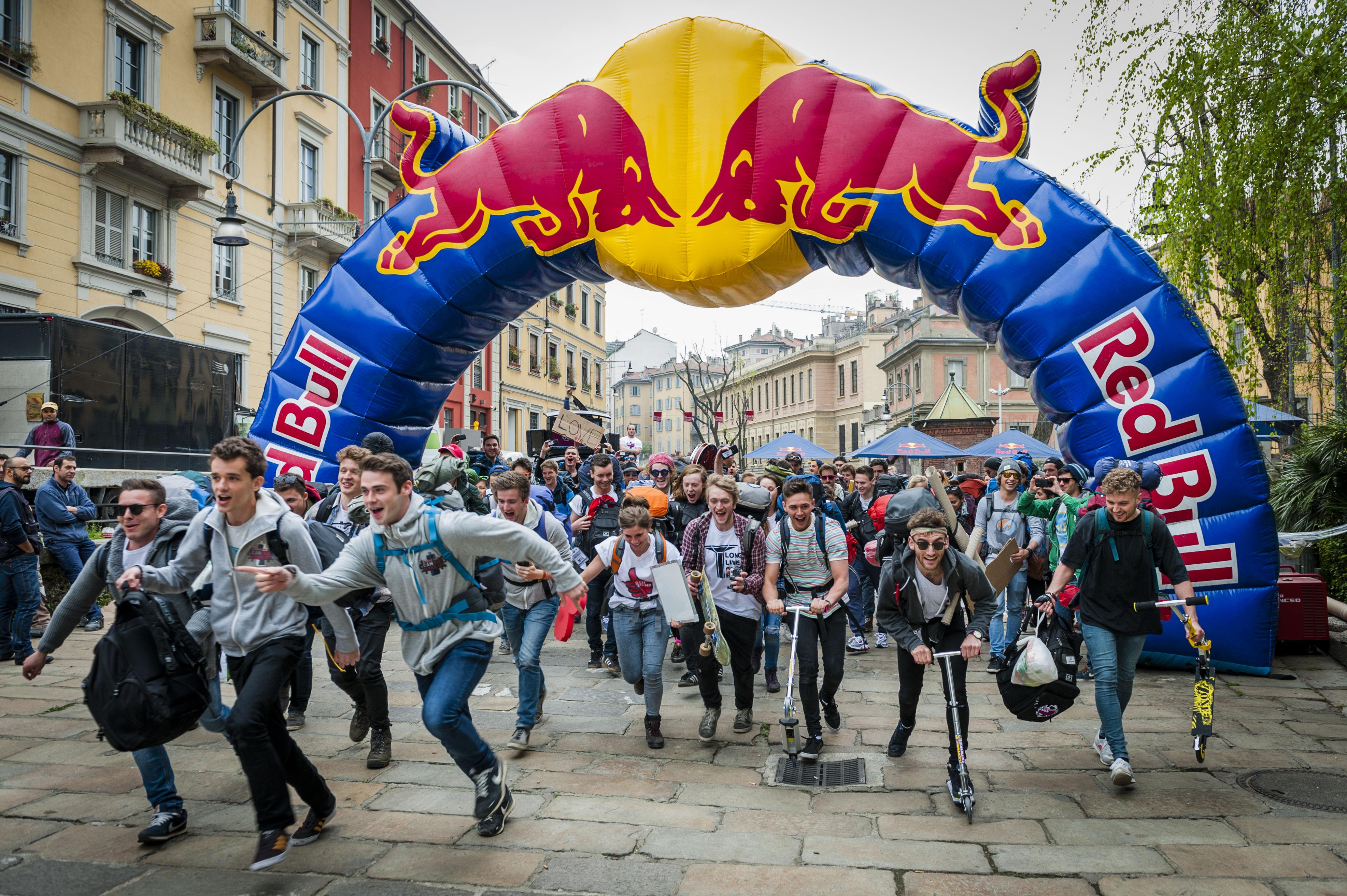 Red Bull(24本)を使って、物々交換をしながらヨーロッパを旅するレースが楽しそう!