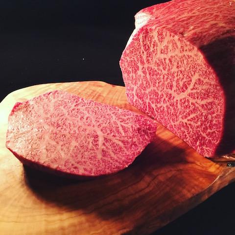 和牛専門フルオーダーカットの精肉店「TOKYO COWBOY」ハート型のステーキがたまらん♡