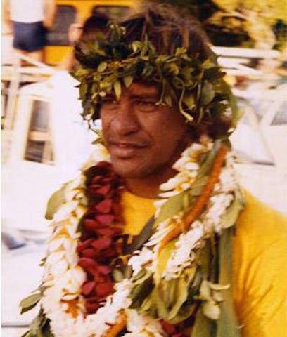 ハワイで開催される幻のサーフィン大会「Eddie Aikau」 背景にあるストーリーが素敵・・・