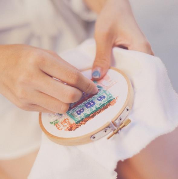 旅の思い出を「刺繍」で残す女性デザイナーが素敵すぎる・・・