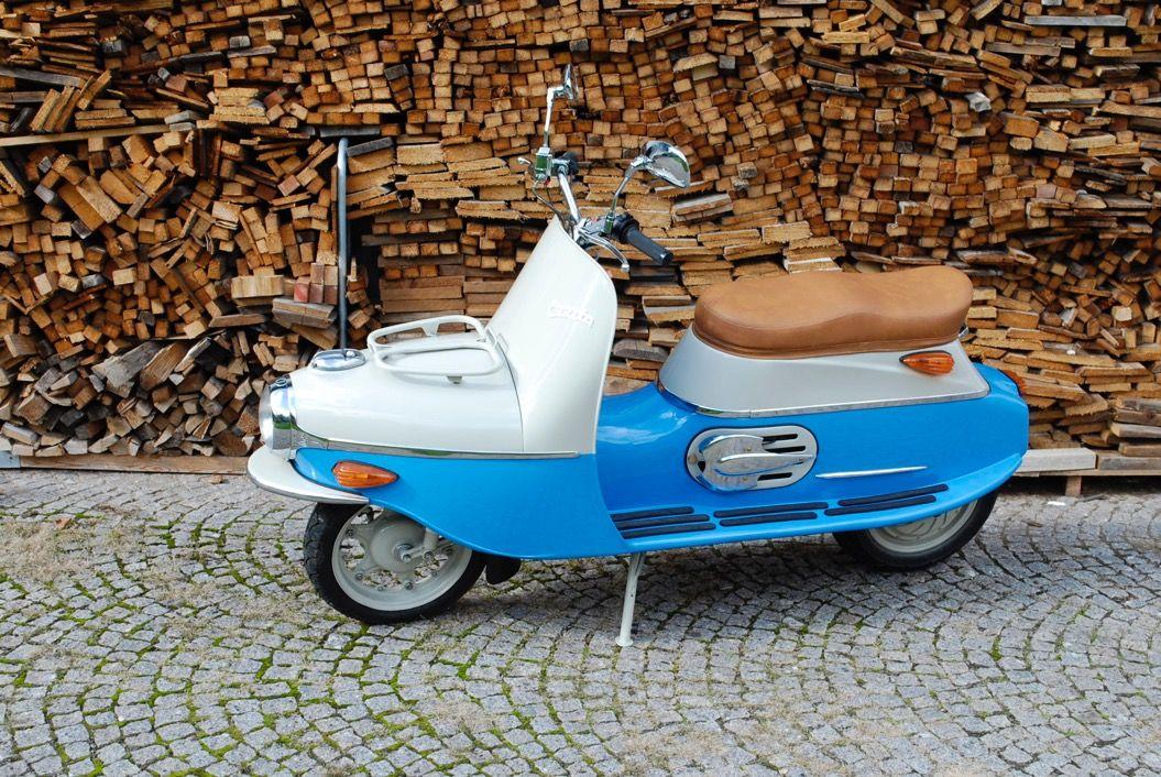 チャーミングな電動スクーター「Čezeta Type 506」に乗ってみたい!
