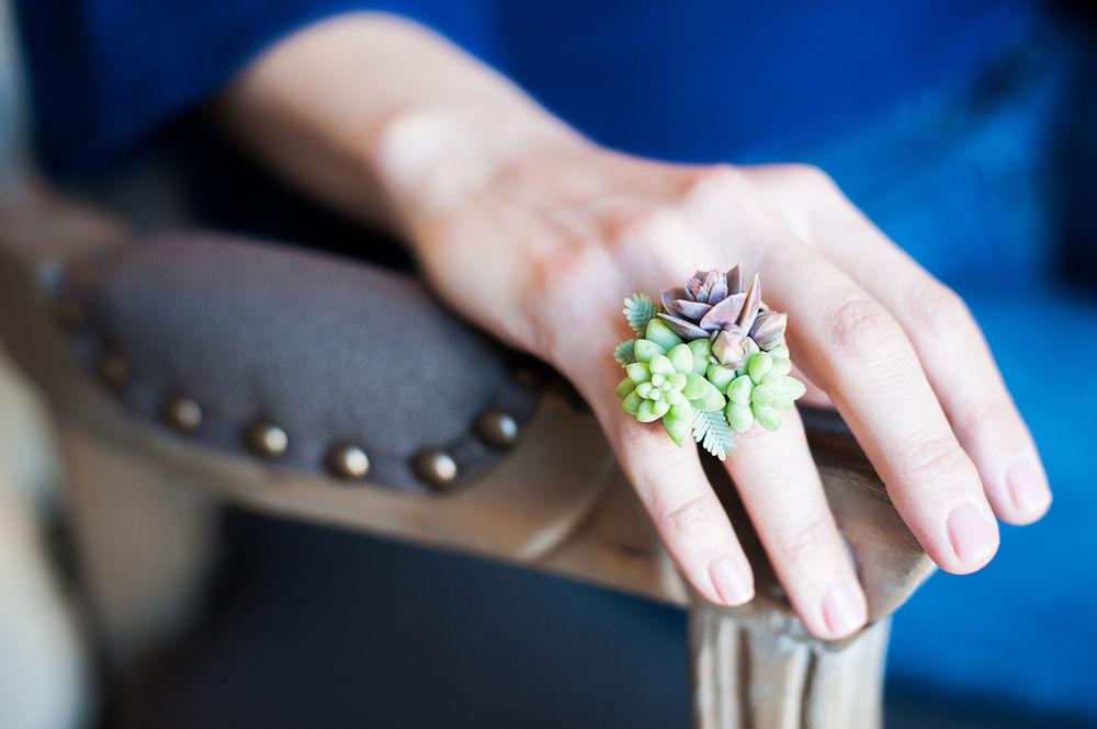 まさに緑の宝石。多肉植物でつくるブライダルジュエリーは、DIY婚にピッタリ