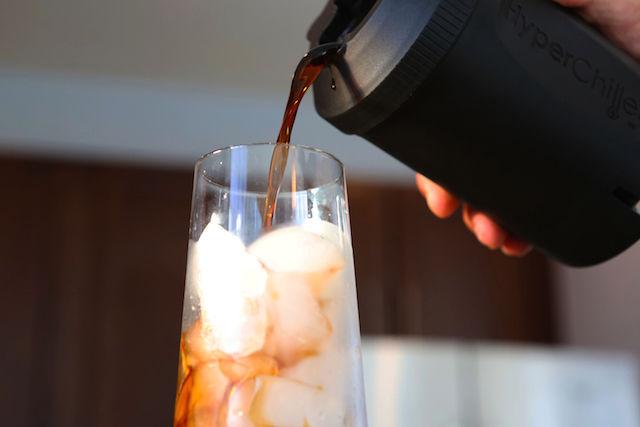氷を使って、味を薄めることなく「アイスコーヒー」を作る方法