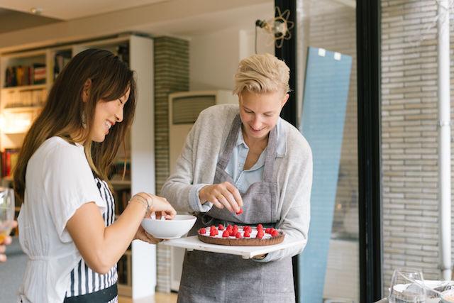 講師は日本在住の外国人!ホームステイ気分で家庭料理を学べる「tadaku」