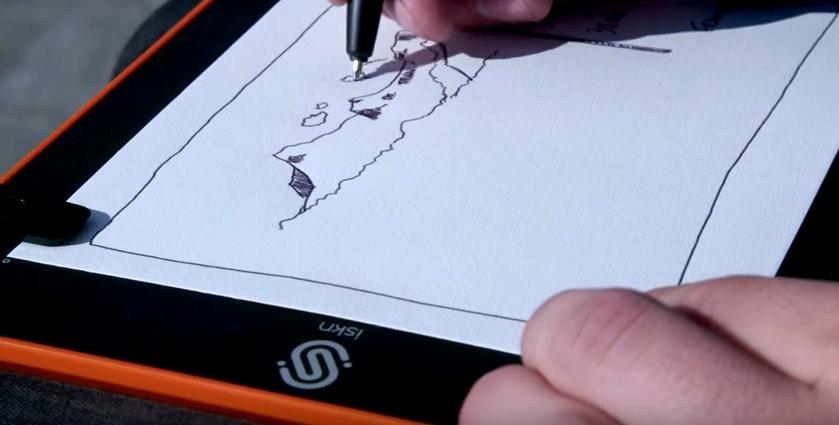 ペンもノートも選ばない。手書きのイラストをそのままスマホに取り込める「リング型デバイス」