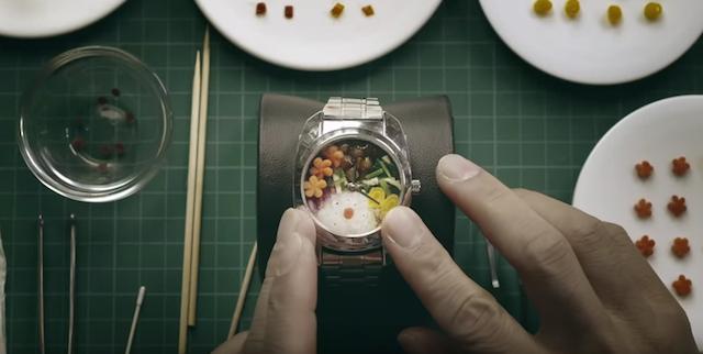 直径わずか30mm!各界のプロが集結して作った、世界最小弁当「BENTO WATCH」