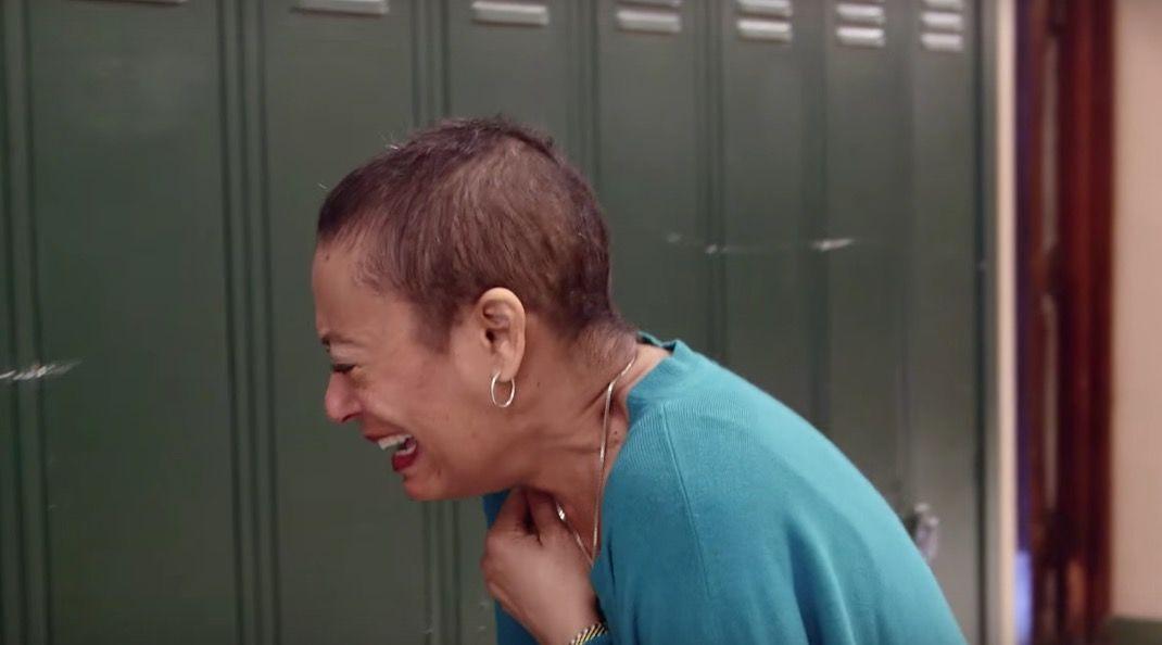 【涙腺崩壊】復職した恩師に贈った「アメイジング・グレイス」が泣ける