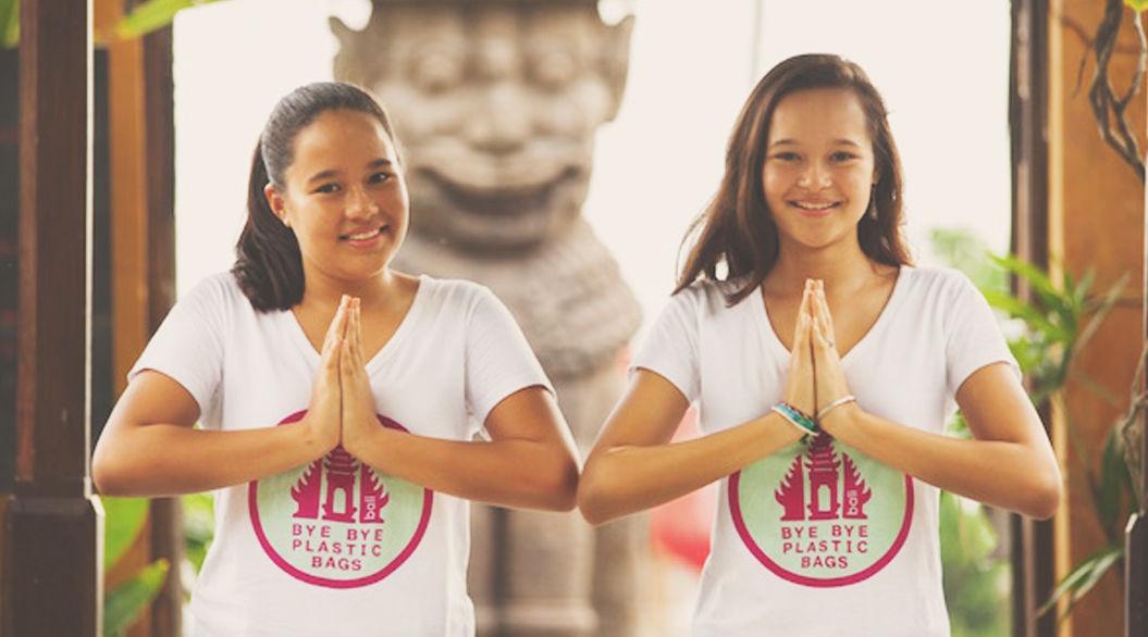 12歳と14歳、姉妹の熱意に州知事が動いた!バリ島「2018年までにレジ袋撤廃」へ