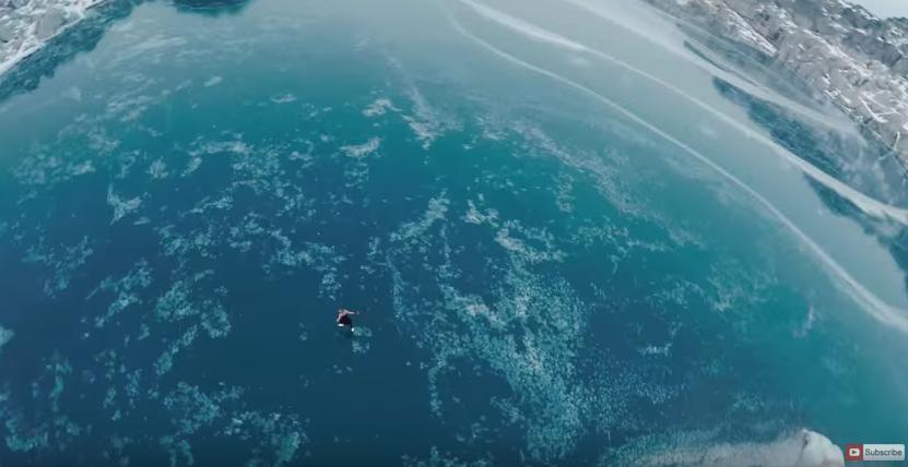 標高1,500mにできた「天然のリンク」。こんなスケート見たことない!(4K動画)