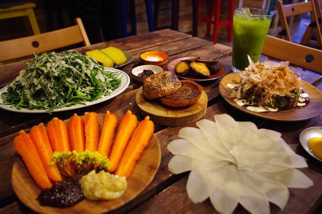 「朝穫れ野菜」を楽しめるオーガニックバルが、食べ飲み放題会員を募集中!