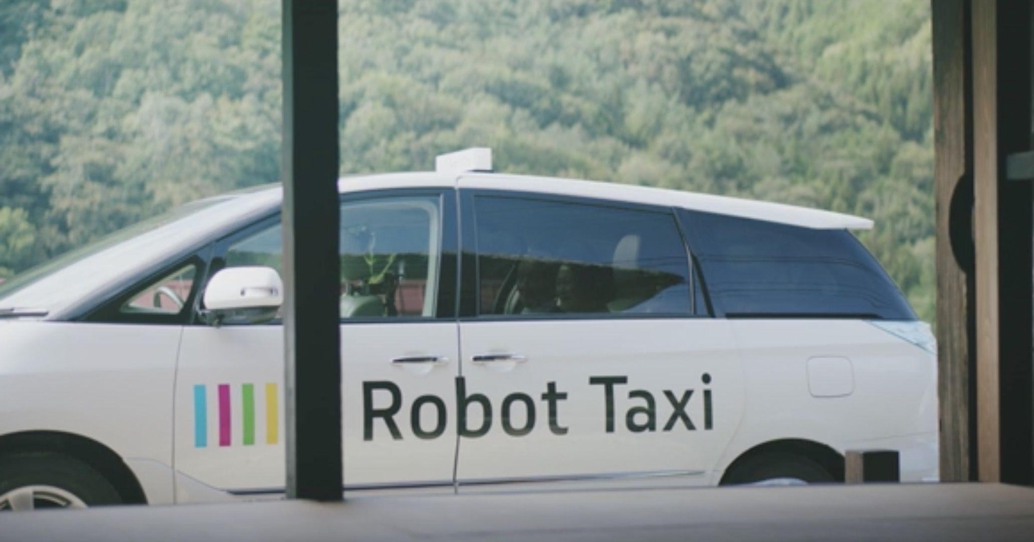 ある田舎町で愛される「1人のタクシー運転手」。彼が365日休まない理由とは?