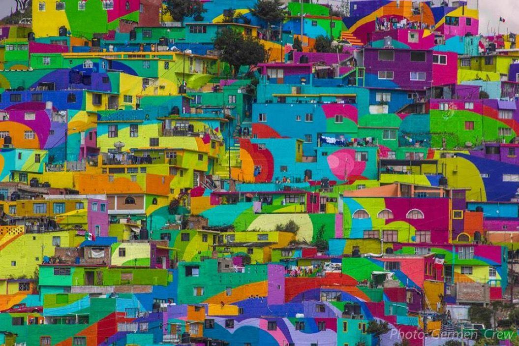 スラム街を救ったのは、街中の壁に描かれたカラフルなアートだった!