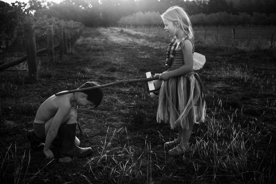牧歌的な田舎暮らしで育つ「子どもたちの成長記録」(41枚)