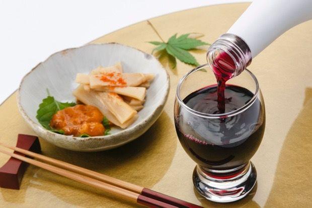 ワインみたいでワインじゃない。紫いもで作った「日本芋酒」ってなに?(日本初)