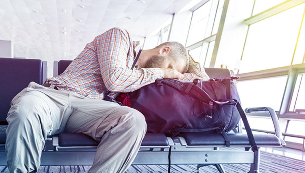 旅先でよく眠れない理由は、脳が「サバイバルモード」に切り替わるから!(米・大学) | TABI LABO