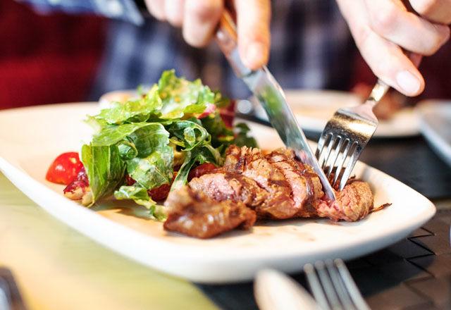 健康的な食生活を目指すなら、赤肉は週に500グラムまで?