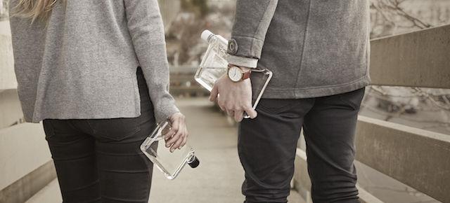 スタイリッシュに水を携帯!ノート型ボトル「memobottle」のデザインが秀逸