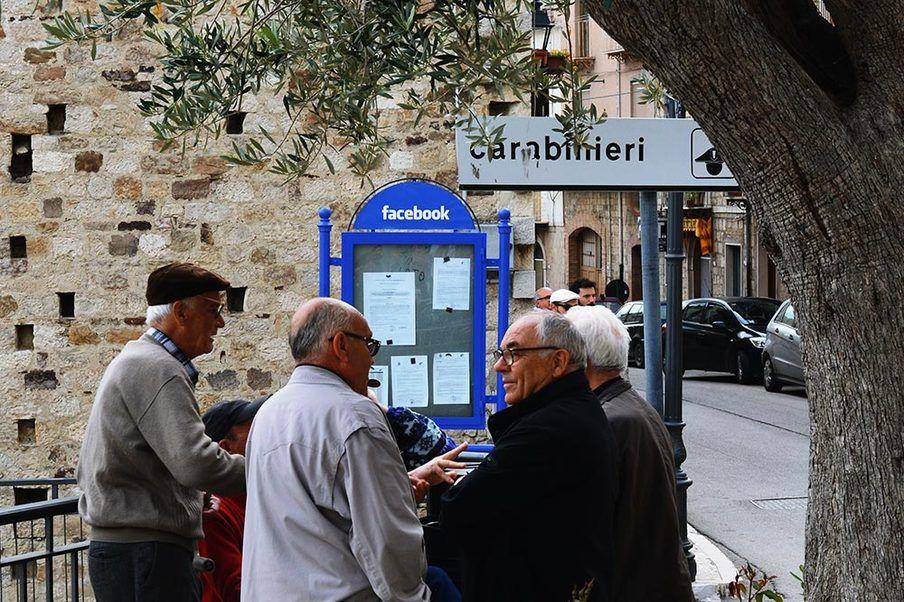 もしも、「ソーシャルメディア」を人口400人の小さな村に置き換えたら(イタリア)