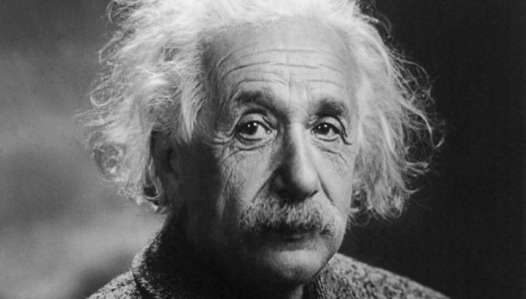 「成功者になろうとするな」。アインシュタインの名言18選