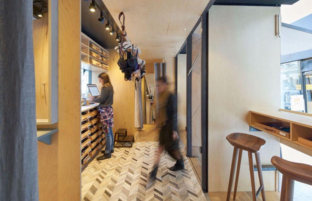 全米を旅する「モバイル試着室」でぴったりのブラを選ぼう