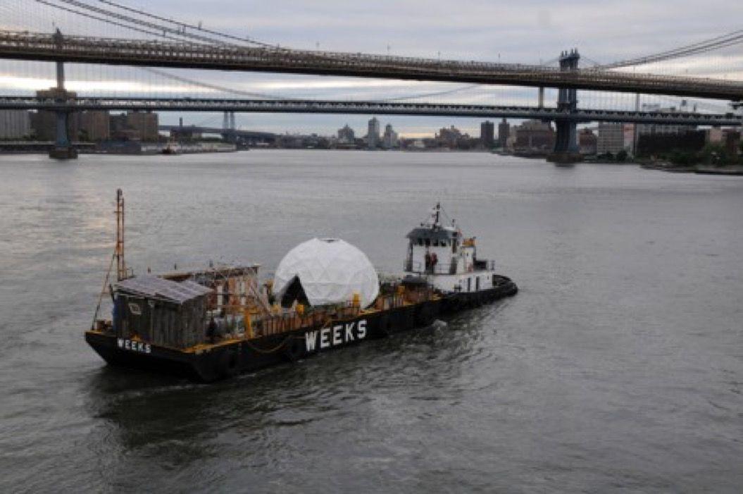 「新鮮な野菜・フルーツを無料で提供する船」が、NYに現れる!?