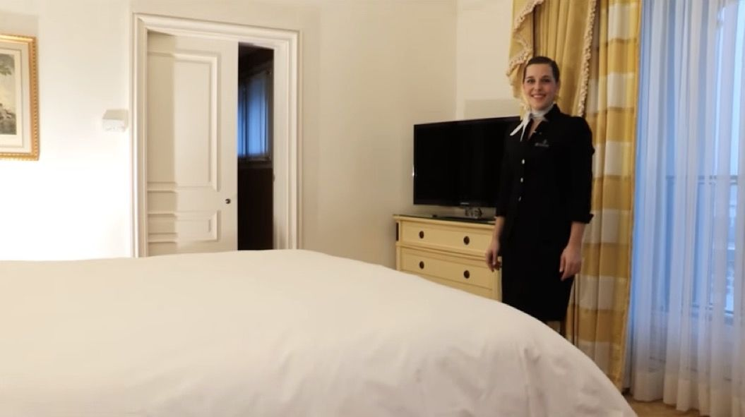 パリ一流ホテルの「ベッドメイキング」を動画で解説。あの心地よさを自宅でも!