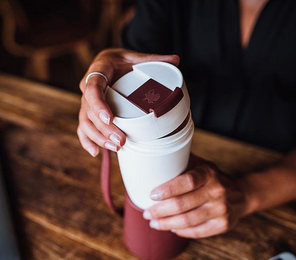 「ヤギの角型コーヒーマグ」で、さりげなく個性を主張してみませんか?