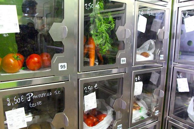 マルシェよりもイマドキ?PARISの街にオーガニック野菜の「自動販売機」が増殖中
