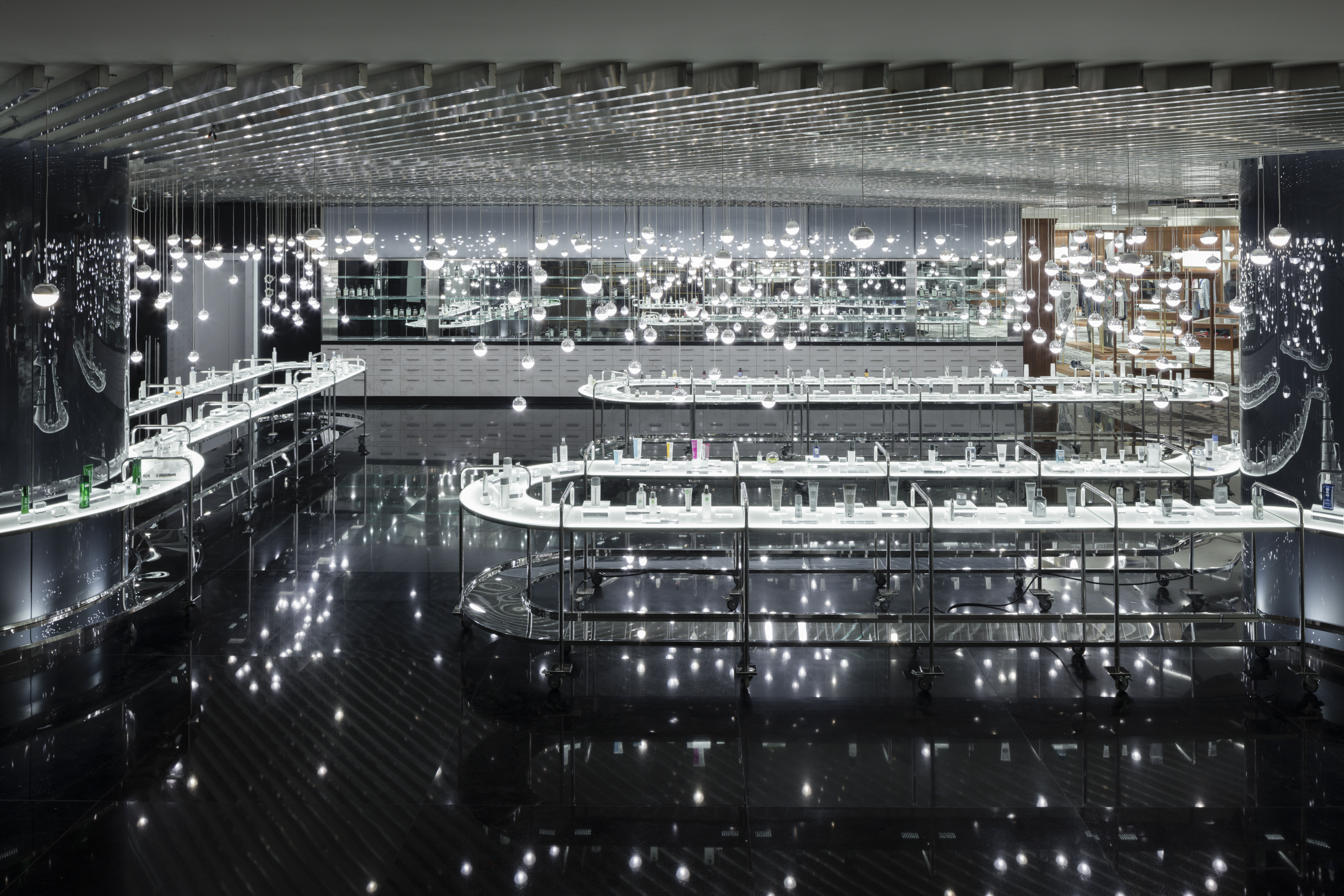 nendoがリニューアルを手掛けた「Siam Discovery」。近代建築を見るためにバンコクを訪れる時代がやってきた!?