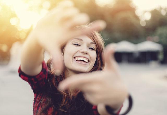 うお座の女性を愛すべき「7つのワケ」。笑顔が素敵でポジティブ!