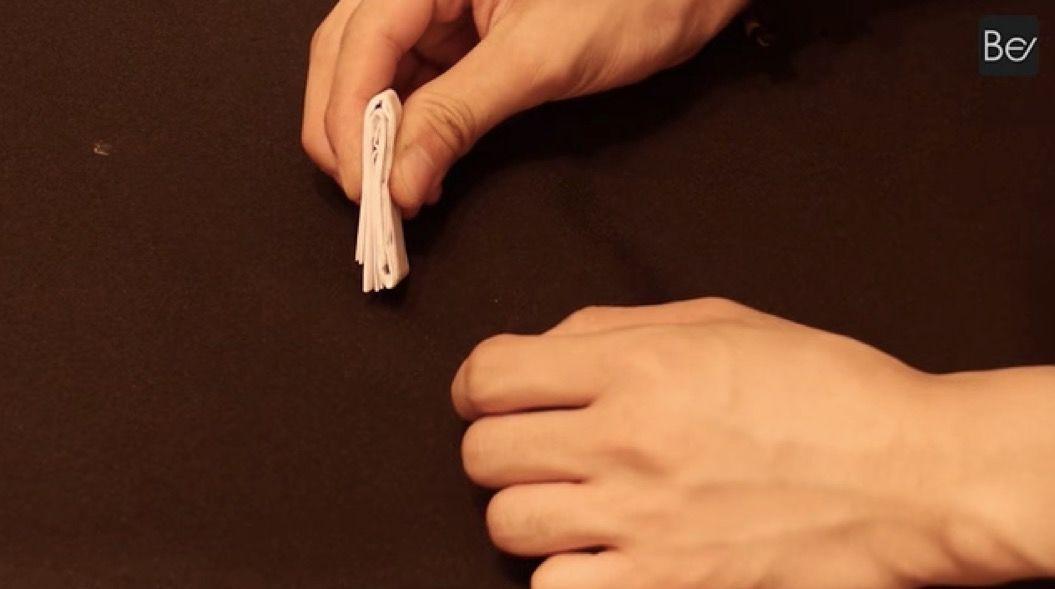 【裏ワザ】紙1枚でビンのふたを開ける方法(動画あり)