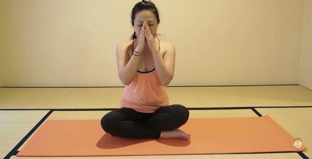 「胸を大きくするのに効果的」なプッシュアップ法(動画あり)