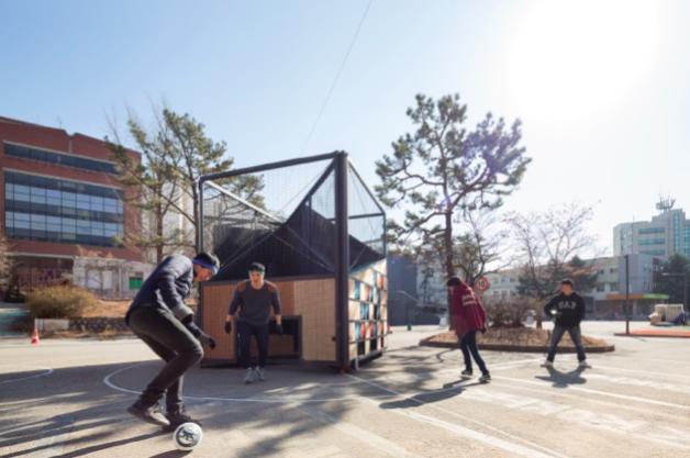 【変幻自在のモバイルグラウンド】これひとつでサッカーもバスケもテニスも楽しめる!