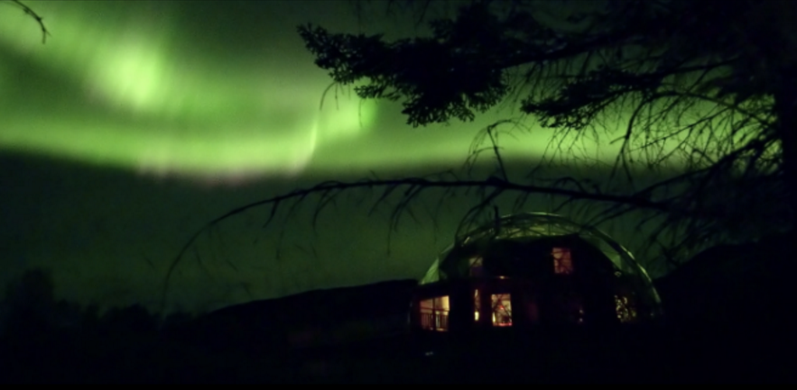 ノルウェーの家族に学ぶ「ガラスドーム」の暖かい暮らし