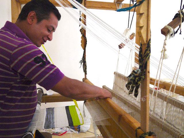 カラフルな家具が、カイロの「ゴミ問題」解決の糸口になる