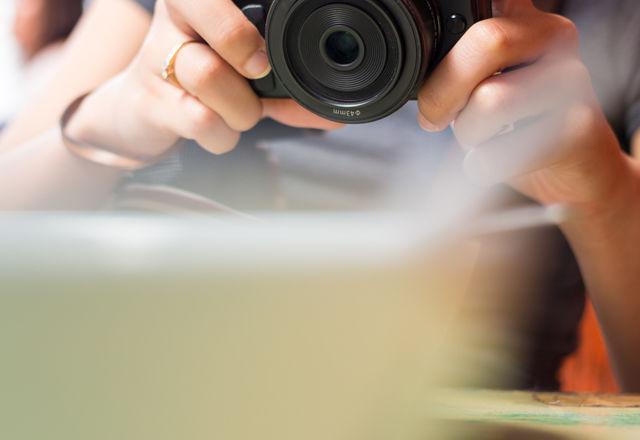 【検証】カメラを手にしている方が、人間はしあわせでいられる?