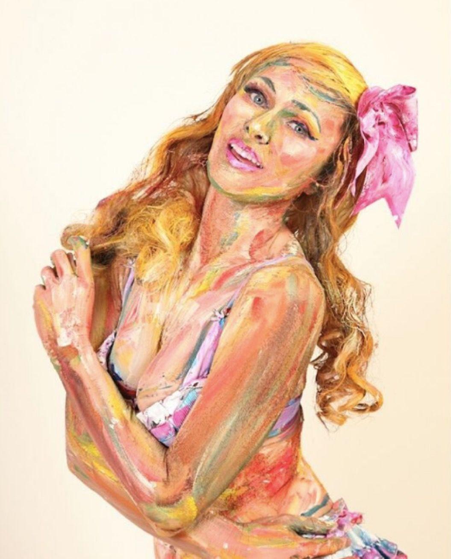 ニートから夢を叶えた「アート界のシンデレラ」。描くのは、呼吸する絵?