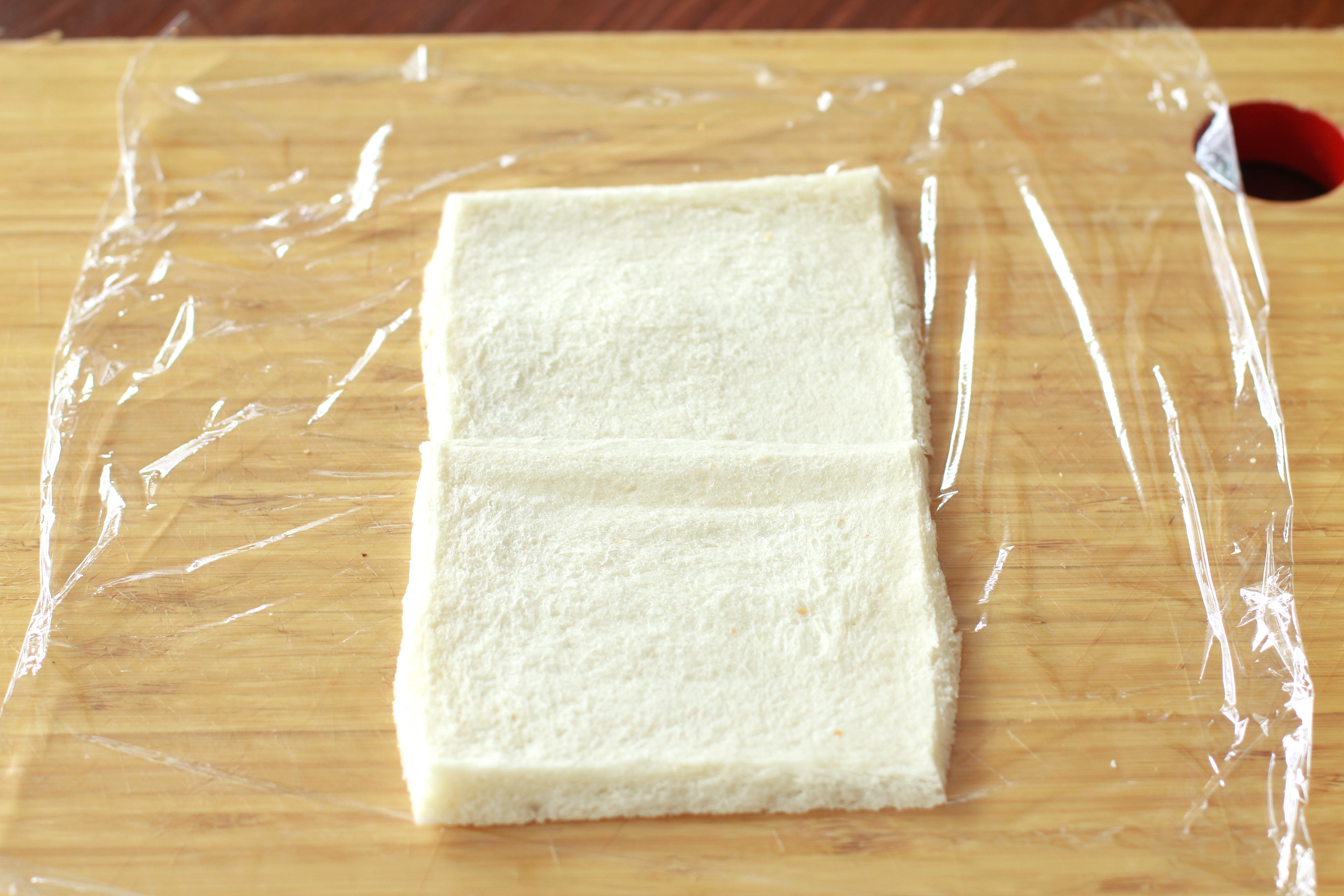 食パンであっという間に「ロールケーキ」をつくる裏ワザ