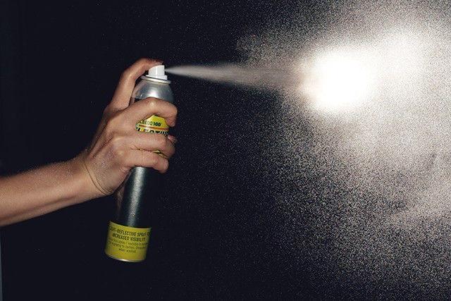 暗闇で光に反射。あのリフレクターが「スプレー缶」になった!