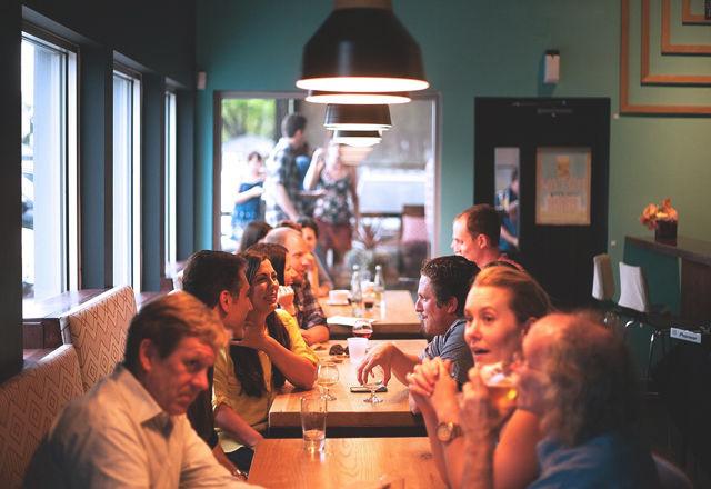 「支払いはお気持ちで」。お店ではなく、客が料理の値段を決める店。